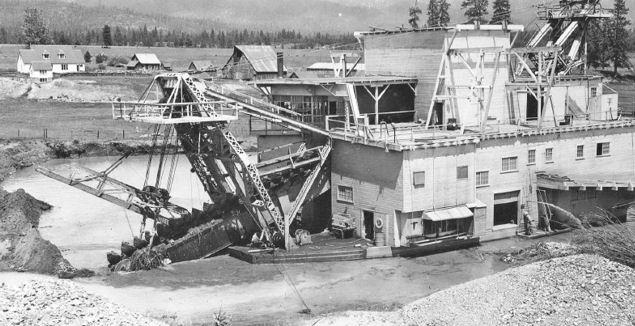 Small Gold Mining Dredges : Oregon mines